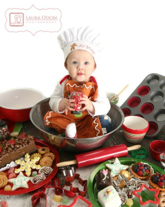 babyandcookies 240x300 Ideas For Cute & Clever Christmas Card Photos
