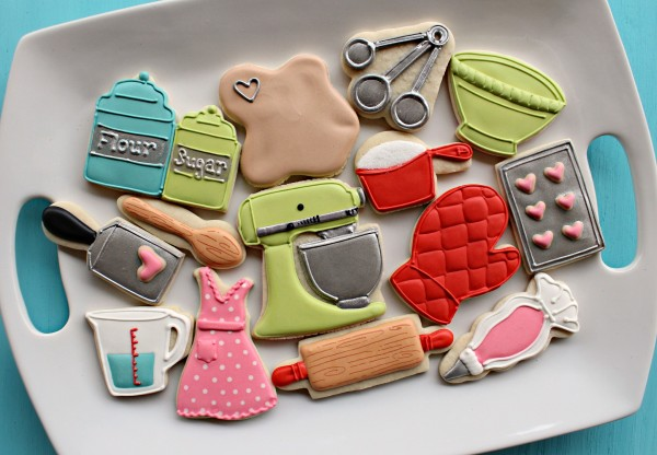 kitchencookies1 Wedding Gift Guide: Ideas For Throwing a Recipe or Kitchen Themed Bridal Shower